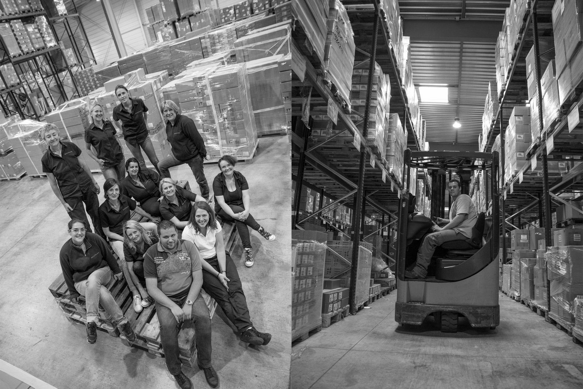 Equipe Multilox dans les hangars de la société